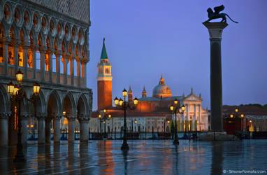 Rain in Venezia by SimonePomata