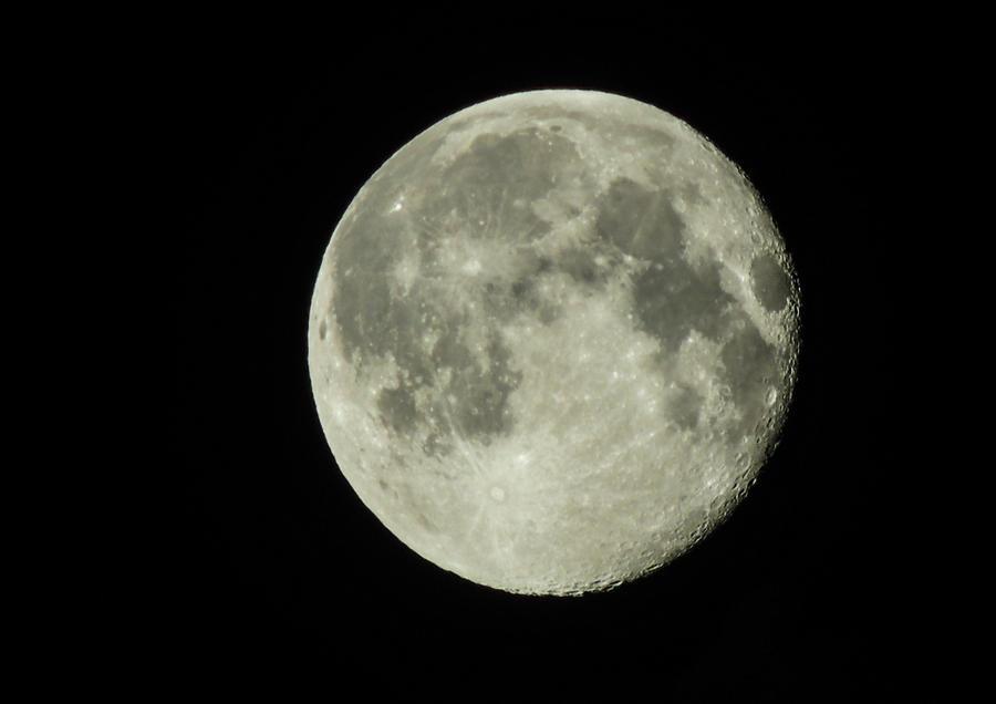 Moon 3 by PinkVillain