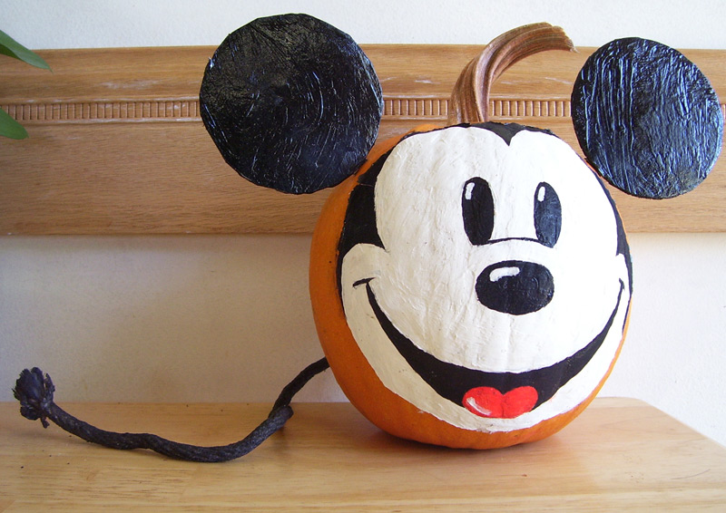2007 mickey mouse pumpkin by punkbouncer on deviantart for How to paint a mickey mouse pumpkin