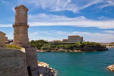 Tour et Villa Marseille by JonathDer
