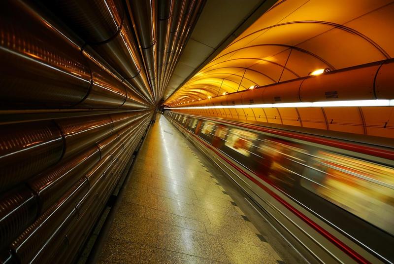 Warp 9 in the Alien Tunnel