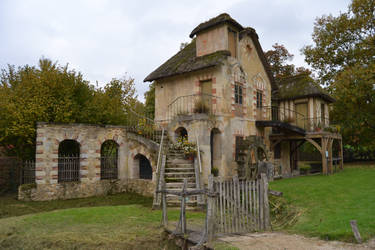 MOULIN by Wendybell80
