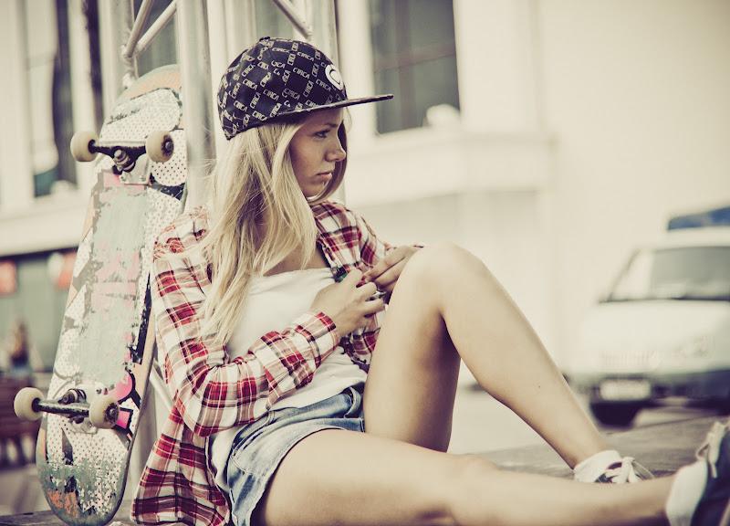 Skater girl by Arnytopter on DeviantArt