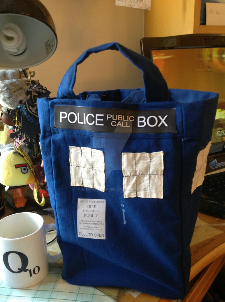 TARDIS Bag by SaerwenApsenniel