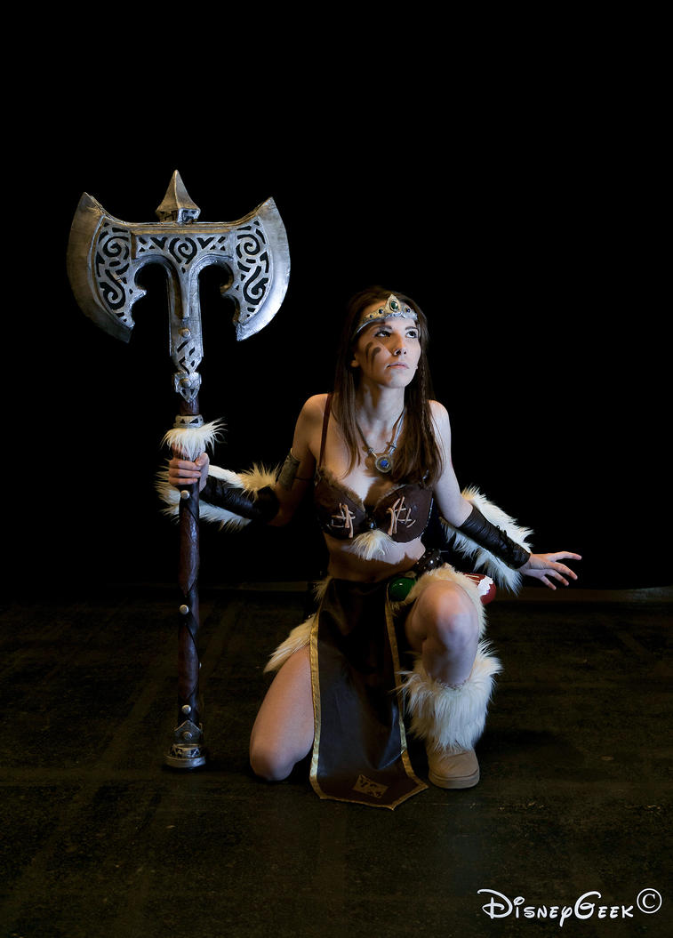 Female Dovahkiin Cosplay #28 by DmC - DisneyGeek by DrawMeaCosplay