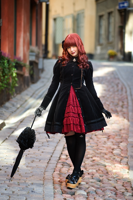 Cute Pics and other adorable things.  - Page 6 Gothic_Lolita_Andrea_II_by_middeneaht