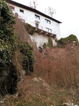 Inn next to ruin