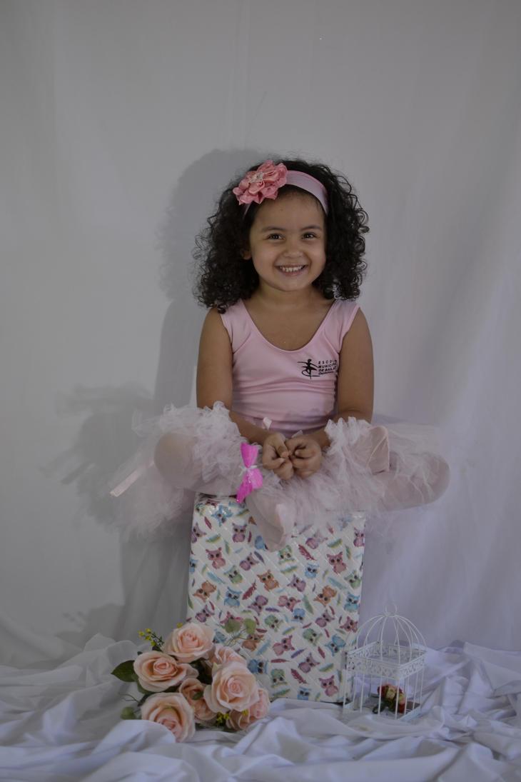 Sweet little girl  2 by CrisSolimann