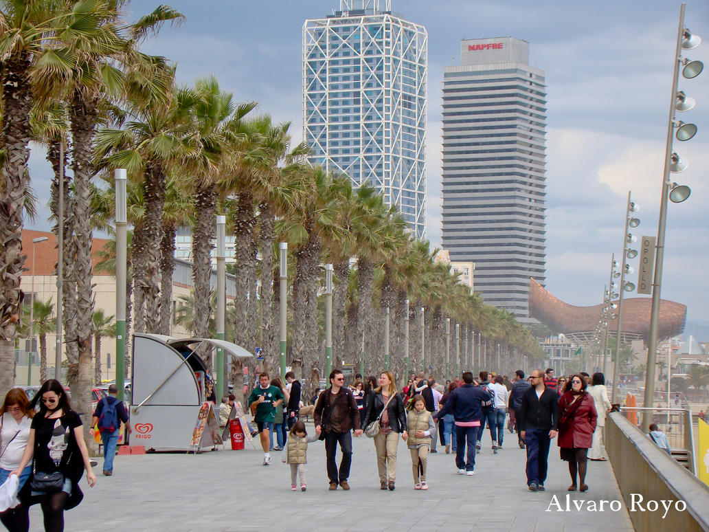 Walking on Barcelona by Alvarofi