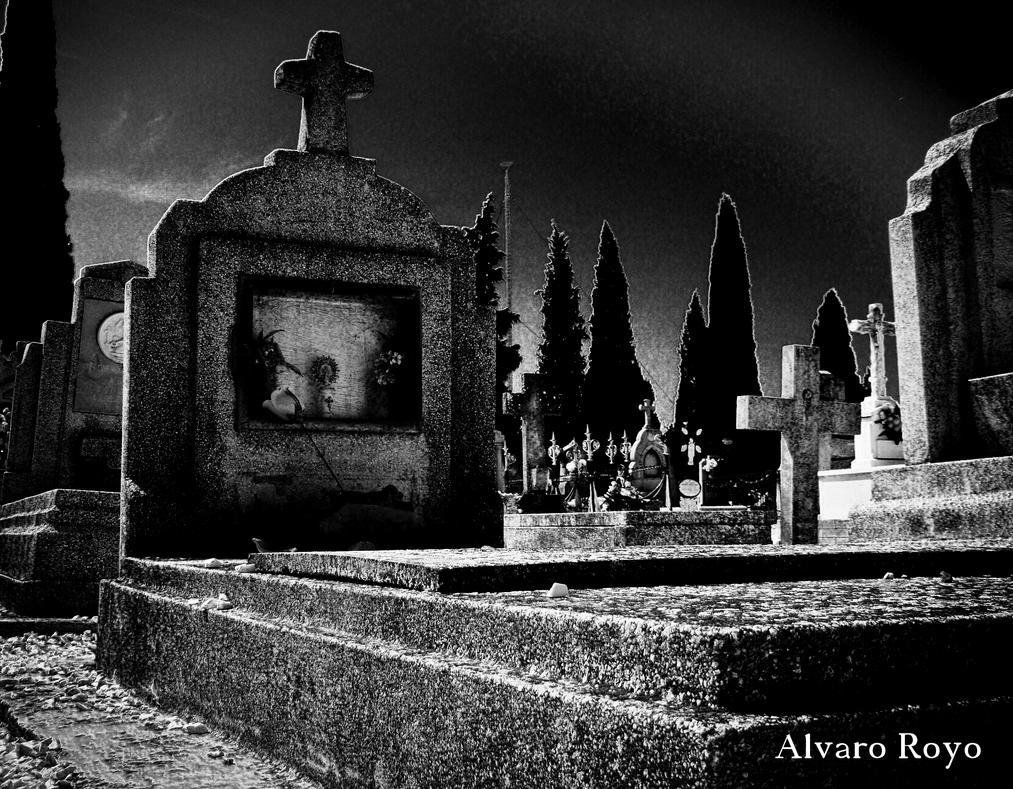 Sleeping by Alvarofi