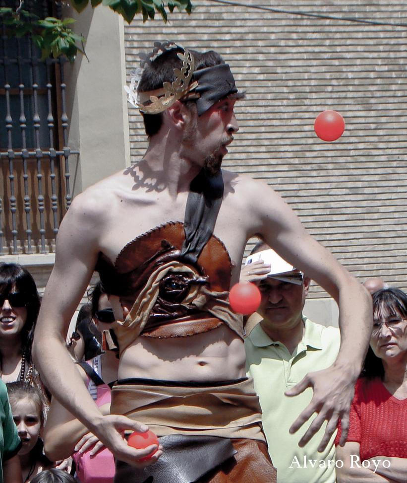 Juggling by Alvarofi