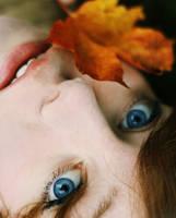 Autum Eyes by Citrusfrukt