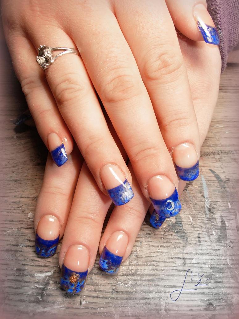 Deep Blue Gel Nails by Undomiele