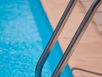 Swimming pool ladder by Dimethil