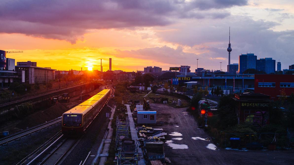 Berlin Train by RonimusPr1m3