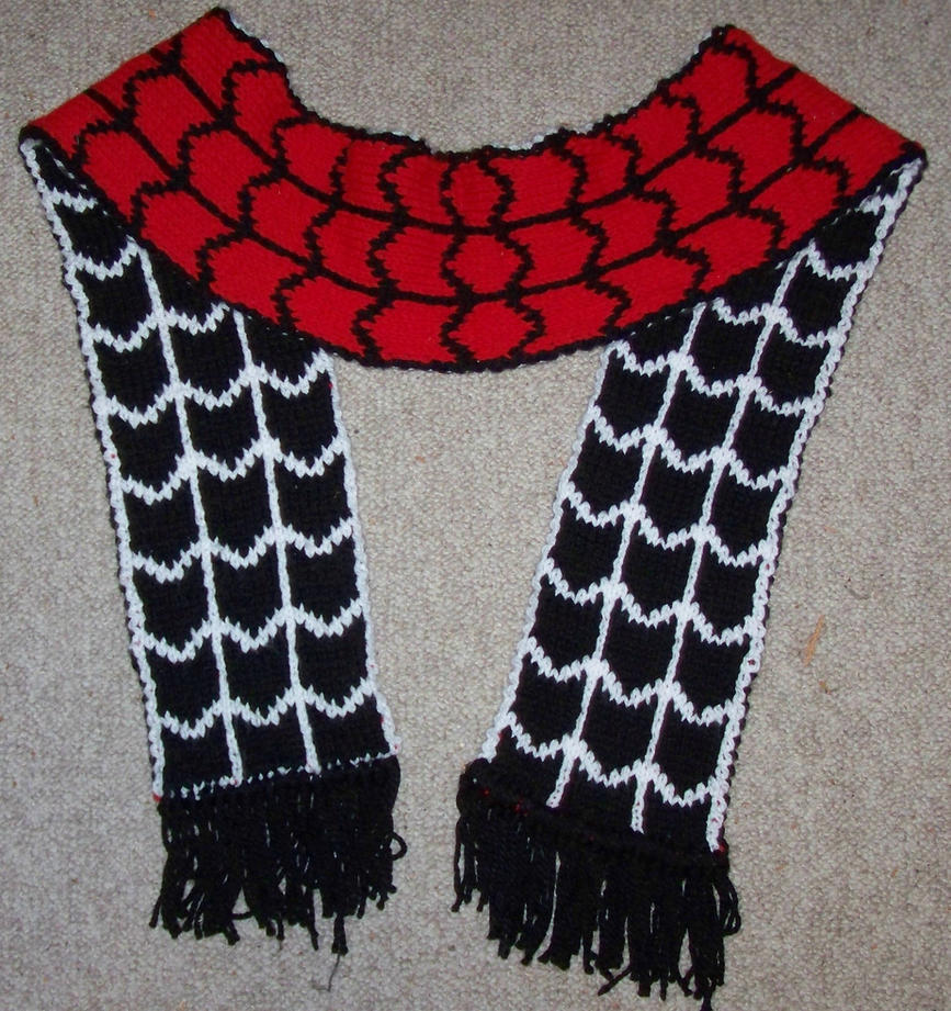 Spiderman Scarf by harelquin-demon