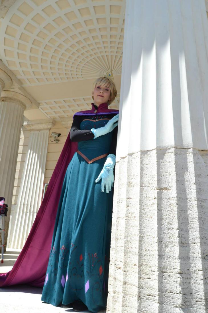 Elsa Coronation 4 by ElsaRoby