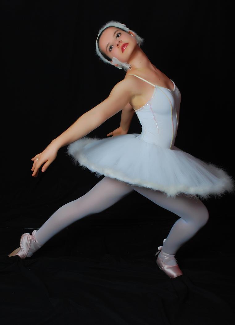 Ballerina [2] by DehPiccini