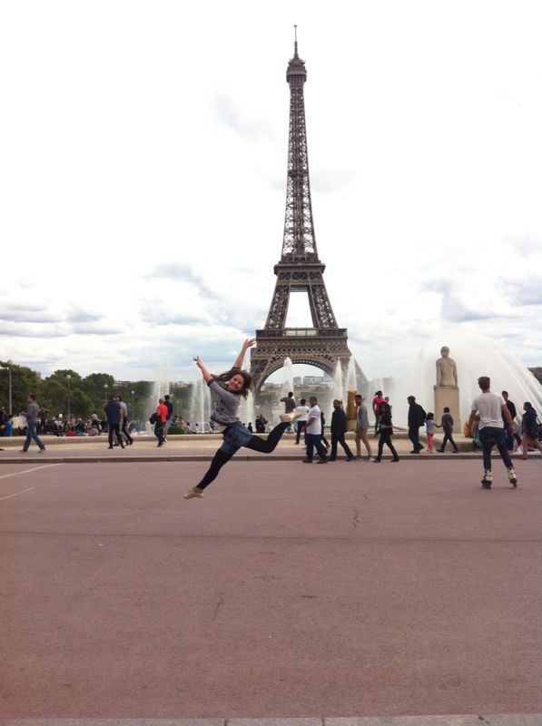 Dancing in Paris by DehPiccini