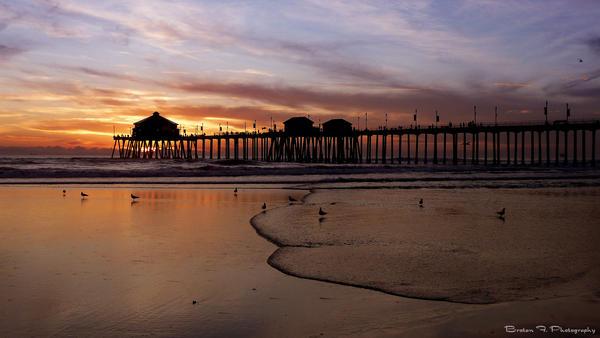 Huntington Beach Pier by rooteanu