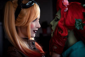 DC Comics - Harley Quinn (Bombshells) by Mari-Evans