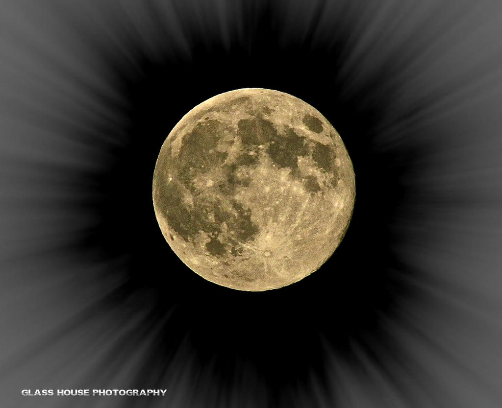 Supermoon 8/10/14 by GlassHouse-1