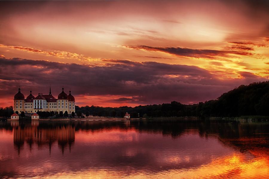 Fairy Tale Castle by hessbeck-fotografix