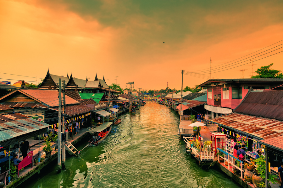 Floating Market Amphawa, Thailand by hessbeck-fotografix