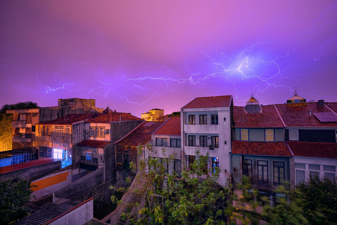 Thunder over Porto by hessbeck-fotografix