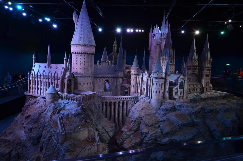 Hogwarts by Yuna-chan666