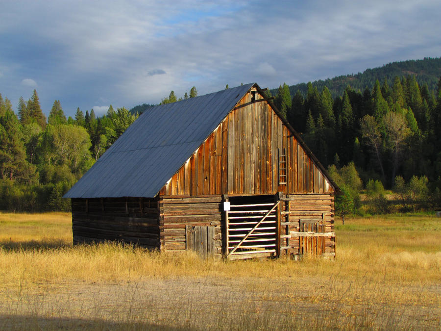 old log barn by Glacierman54