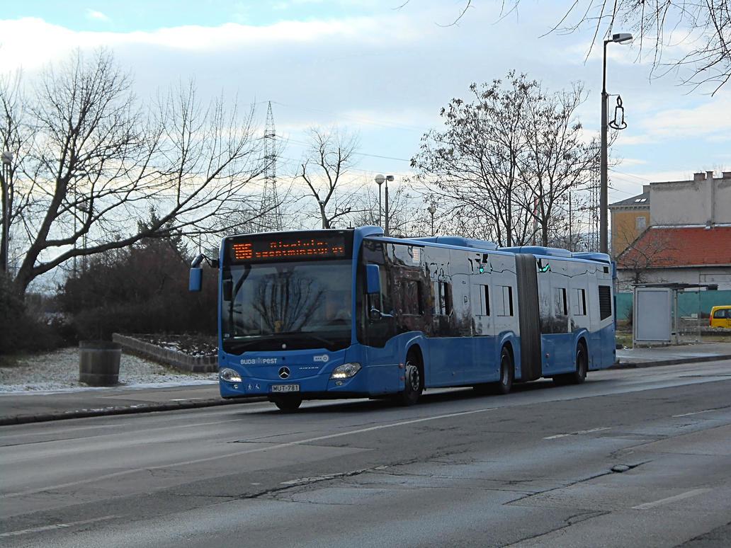 Mercedes Citaro at Ujpest-Varoskapu (2017.01.03) by Gothpaladinus