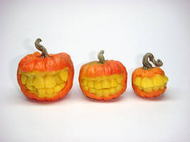 Grinning Dollhouse Pumpkins by Ethereal-Beings