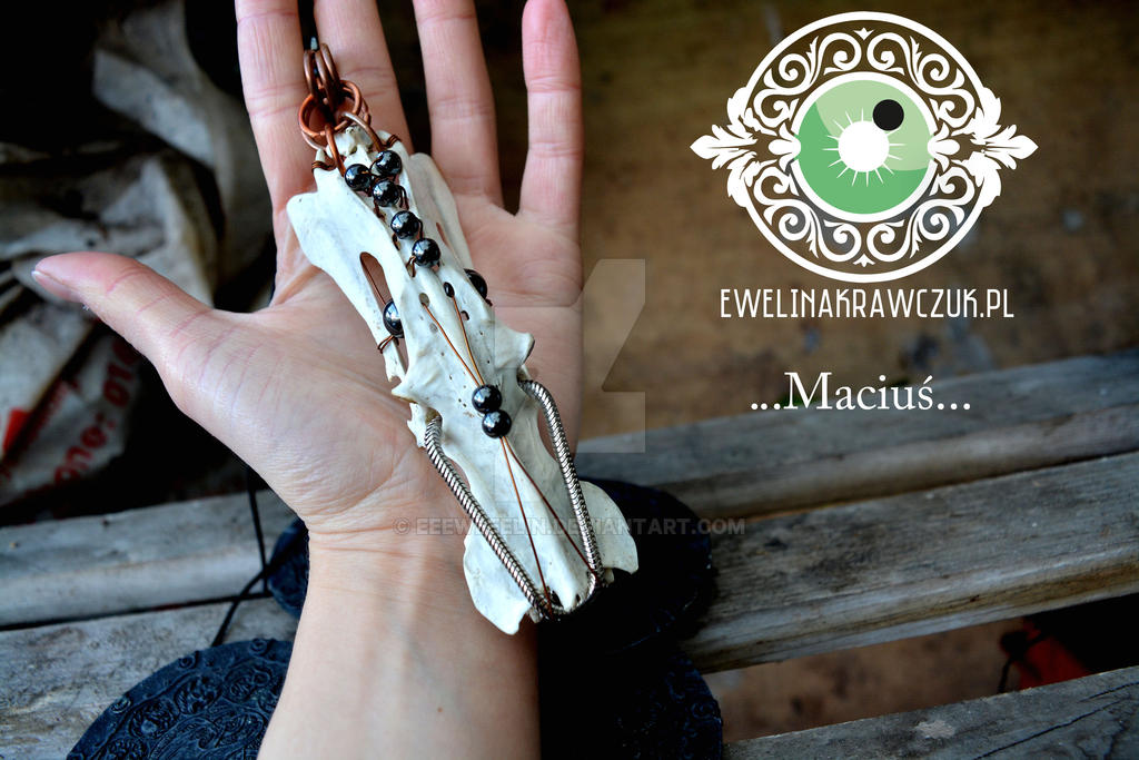 Macius...pendant with skull by eeeweeelin