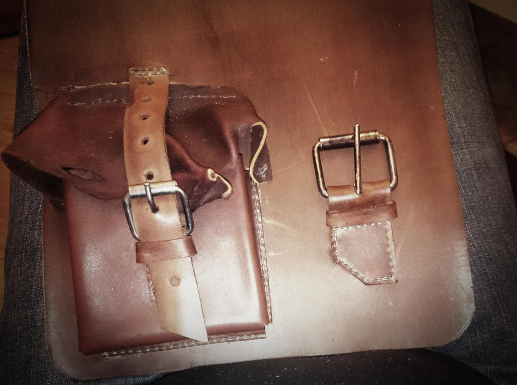 Haversack WIP - pocket and buckle by Molot