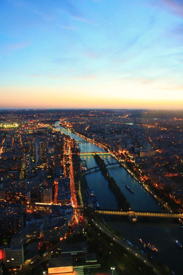 City of Lights by purple-rose27