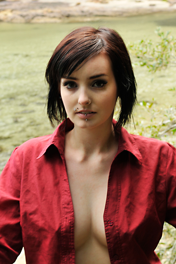 Thalia - red shirt 2 by wildplaces