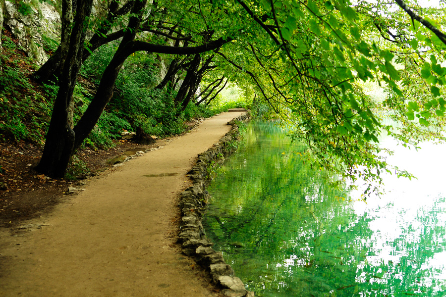 Lakeside walk 2 - Plitvicka by wildplaces