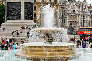 Fountain - Trafalgar Square 1 by wildplaces