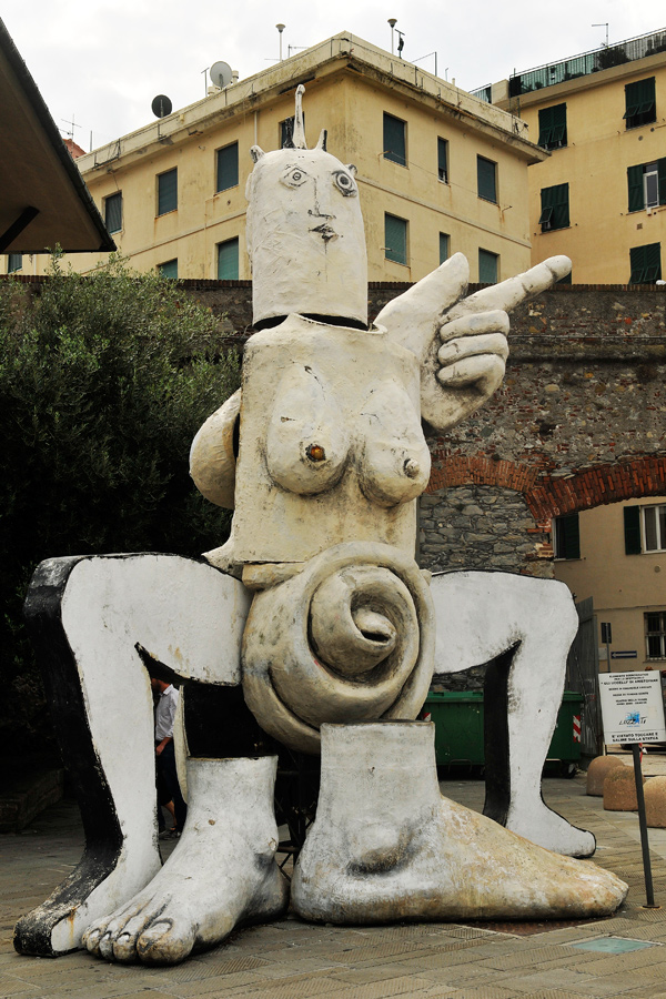 Female sculpture 1 - Genoa by wildplaces