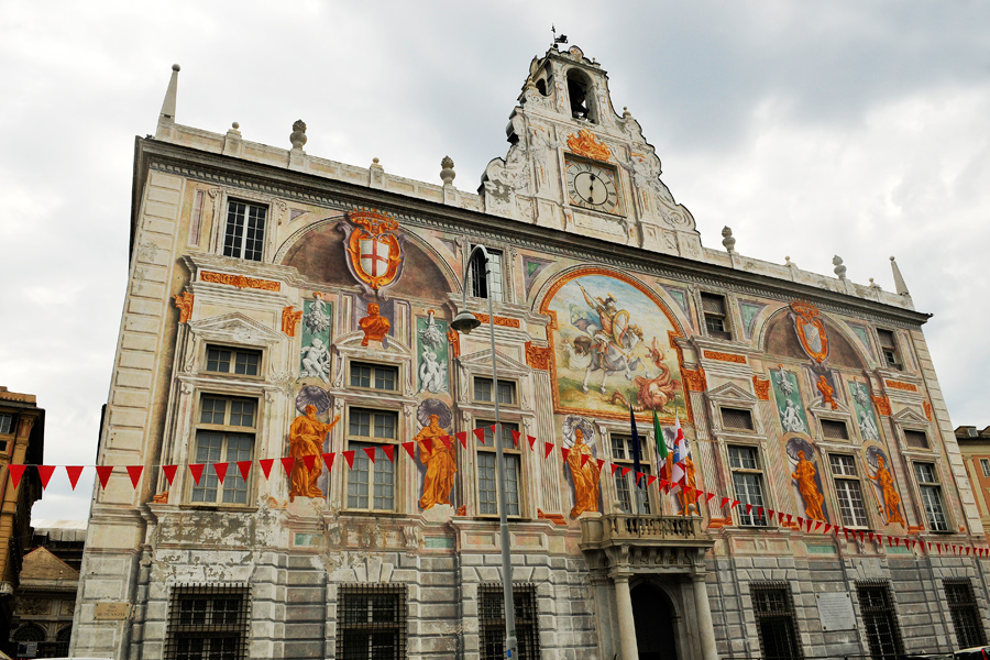 Ornamented building 1 - Genoa by wildplaces