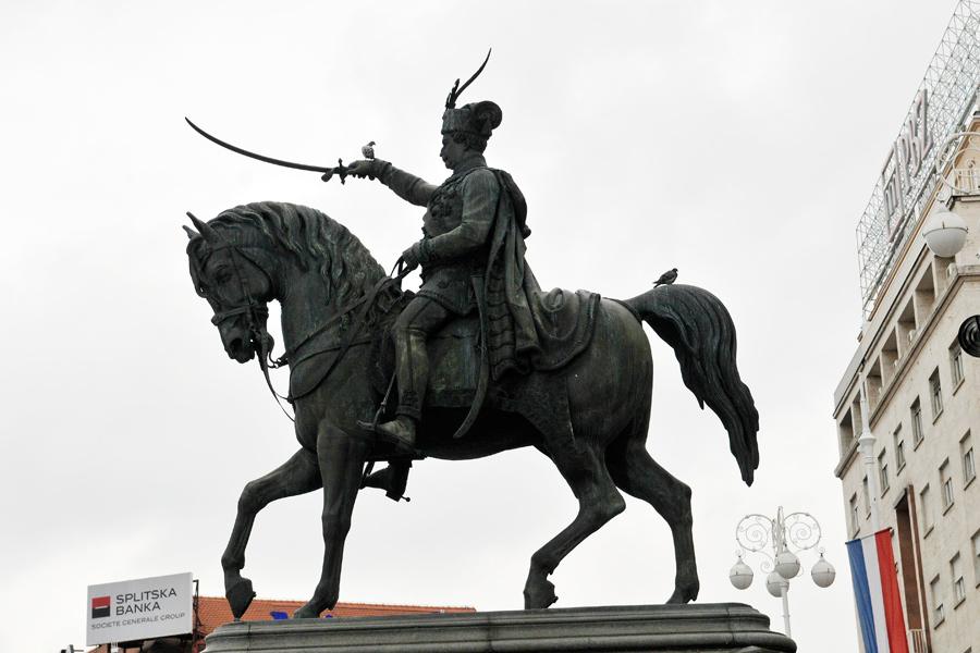Zagreb statuary 1 by wildplaces