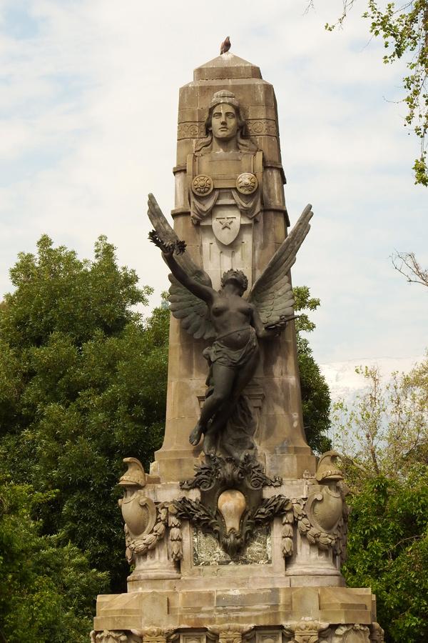 Santiago de Chile statue 1