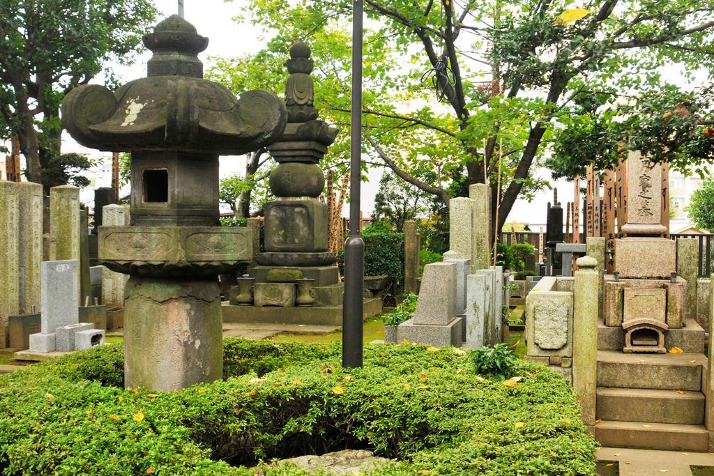 Yanaka cemetery 2 - Tokyo by wildplaces
