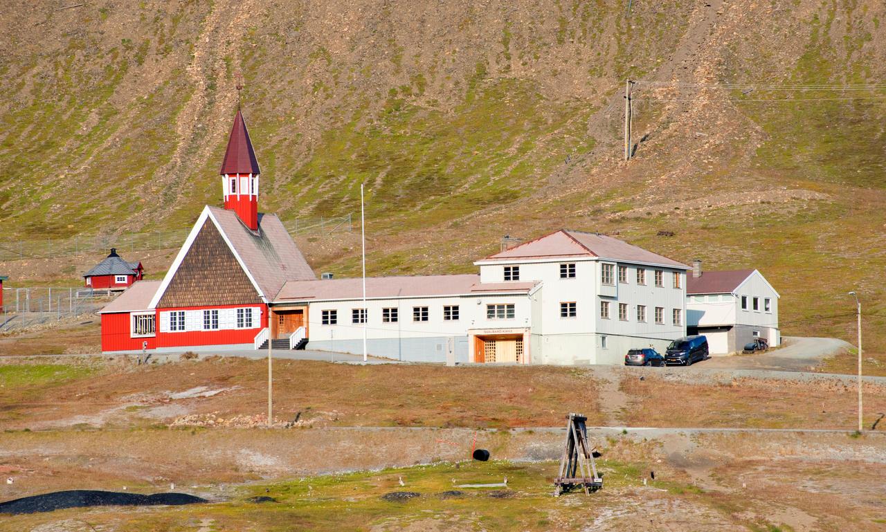 Longyearbyen church - Svalbard by wildplaces on DeviantArt