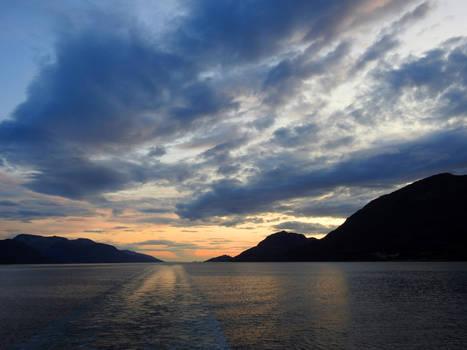 Sailing into night 1 - Norway