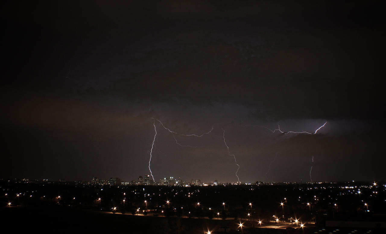 Lightening Storm by LuminatX