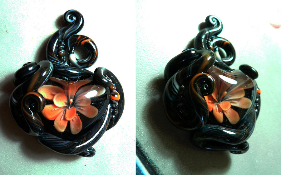 Fixed Heart Flower Pendant by BlackMagdalena