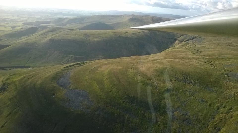 Soaring the ridge! by Moray-orca