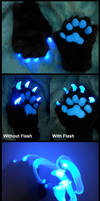 Glowrune paws by Sharpe19